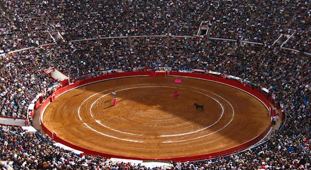 Sport Trivia Question: Which contest takes place in the Plaza de toros México ring?