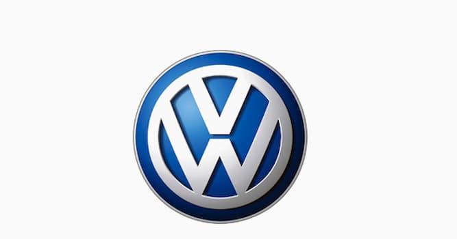 История Вопрос: Каким образом концерн Volkswagen в 1967 году поднял продажи в три раза за один год?