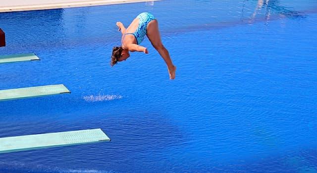Спорт Вопрос: Какое спортивное сооружение используется в таком виде спорта, как прыжки в воду?