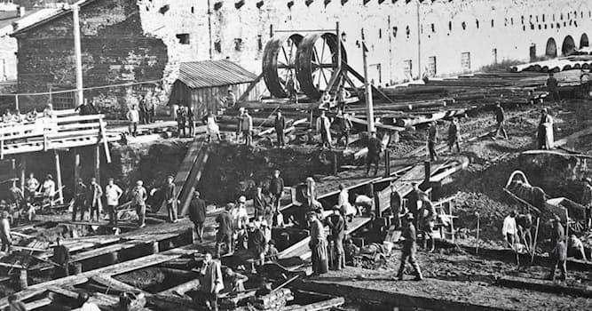 История Вопрос: Какой город возник как посёлок при сереброплавильном заводе Акинфия Демидова?