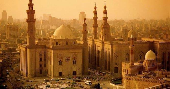 История Вопрос: Между какими силами возникла битва за Багдад в 1258 году?