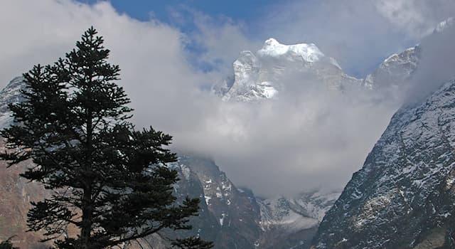 География Вопрос: На территории какой страны находится национальный парк Сагарматха?
