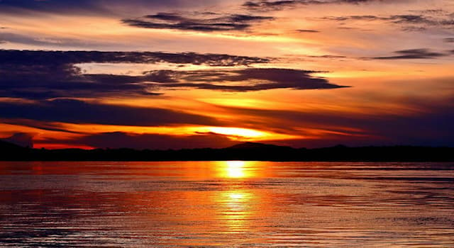 География Вопрос: На территории какой страны протекает река Арагуая?