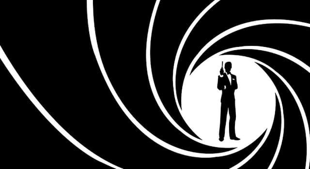 Кино Вопрос: Сколько актеров играли Джеймса Бонда в кино?