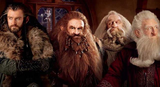 Кино Вопрос: Сколько гномов было в книге Дж. Р. Р. Толкина «Хоббит, или Туда и обратно»?