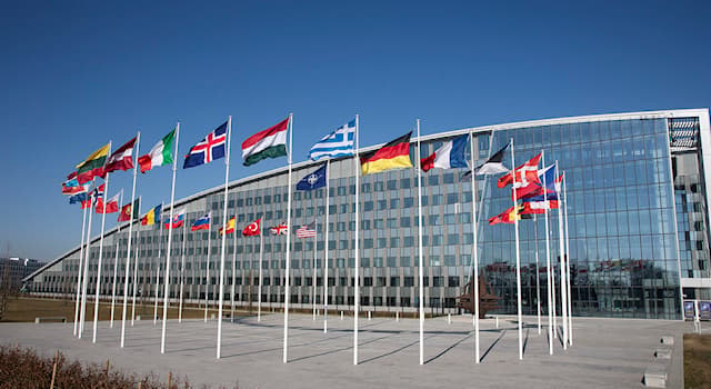 Society Trivia Question: As of 2021, how many countries are there in the North Atlantic Treaty Organization (NATO)?