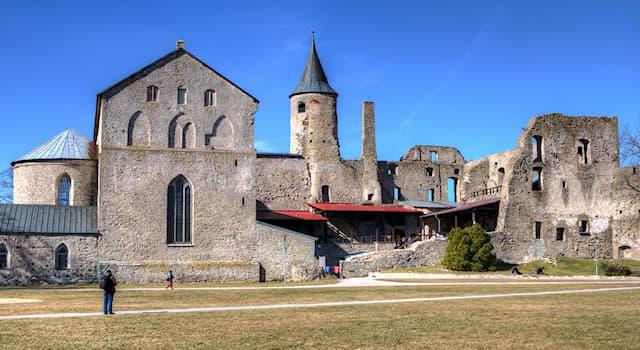 Культура Вопрос: В какой стране можно посетить замок Хаапсалу?