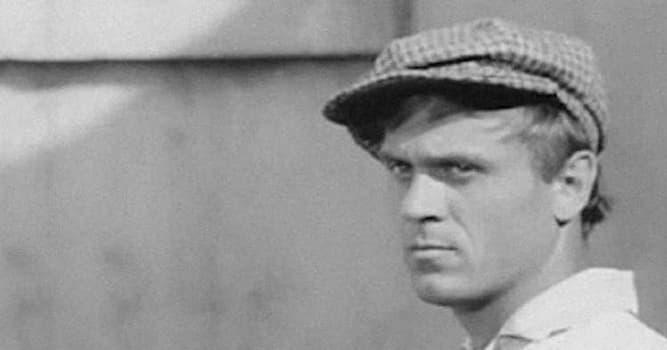 Кино Вопрос: В каком фильме дебютировал как актёр Владимир Меньшов - выдающийся советсткий и российский кинорежиссёр?
