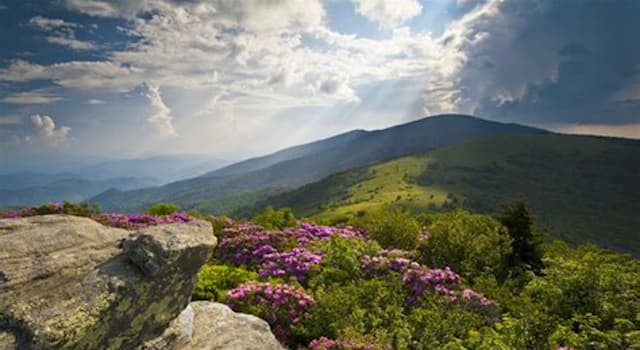 Geography Trivia Question: Which two U.S. states anchor the ends of the Appalachian Trail?