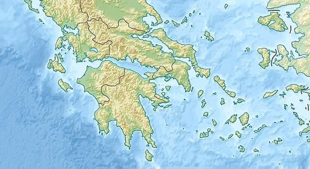 География Вопрос: Южной частью какого полуострова является полуостров Пелопоннес?