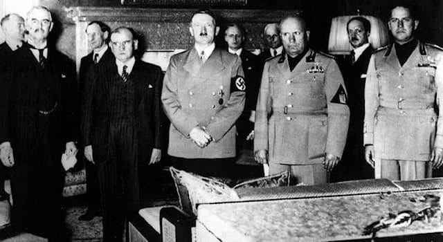 История Вопрос: Что планировал сделать Гитлер на месте столицы СССР - Москвы, после её захвата во время II мировой войны?