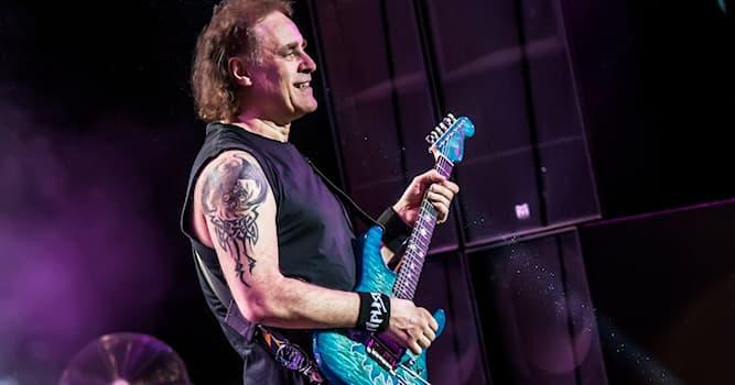 Культура Вопрос: Гитарист какой российской хэви-метал группы на фото?