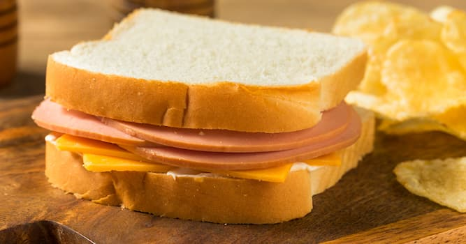 Movies & TV Trivia Question: In an American classic jingle, how does one 4-year old child spell his bologna's second name?