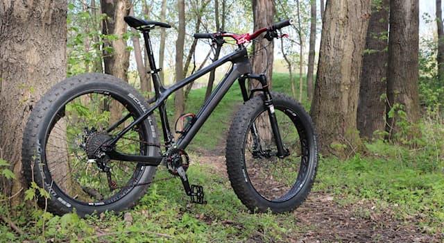 Спорт Вопрос: Как называется разновидность горного велосипеда на широких колёсах?