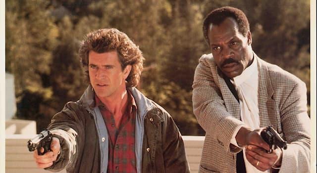 Кино Вопрос: Как называется знаменитый фильм режиссёра Ричарда Доннера с Дэнни Гловером и Мелом Гибсоном в главных ролях?
