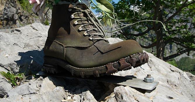 Спорт Вопрос: Как называются стальные зубчатые набойки на подошвы ботинок для альпинизма и горного туризма?