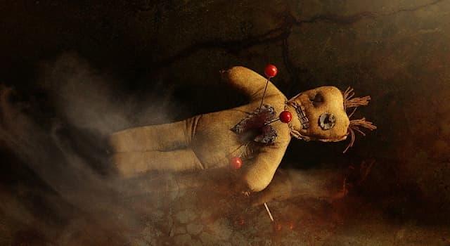 Культура Вопрос: Какая религия набрала популярность в массовой культуре благодаря теме зомби, магических кукол и чёрной магии?