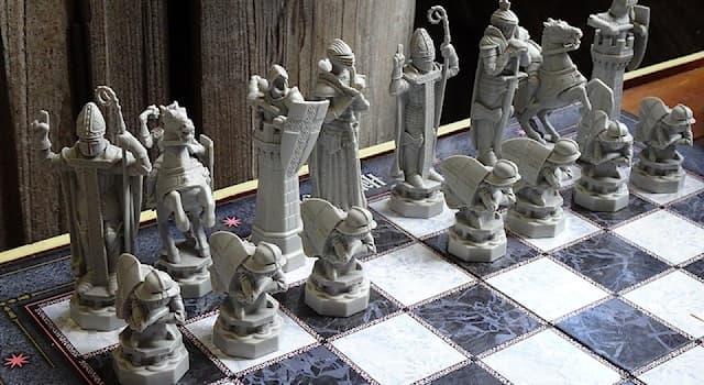 """Спорт Вопрос: Какая шахматная фигура в английском языке называется """"knight"""" - """"рыцарь""""?"""