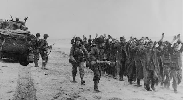 История Вопрос: Какие потери понёс Эквадор после объявления войны Германии в 1945 году?
