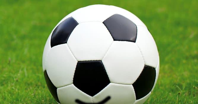 Спорт Вопрос: Какой единственный российский футбольный клуб был обладателем Суперкубка Европы (по состоянию на 2021)?