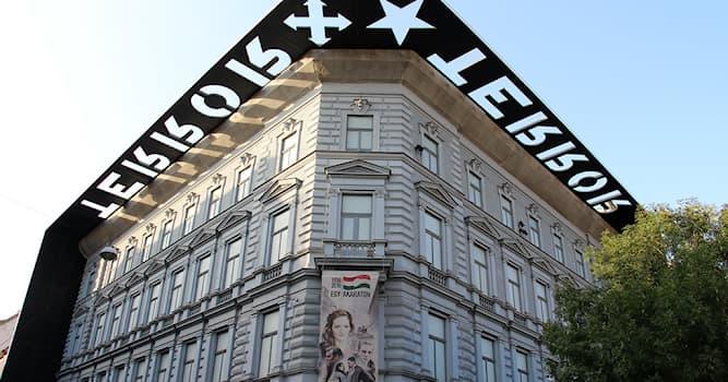 Культура Вопрос: Какой необычный музей находится в Будапеште, столице Венгрии?