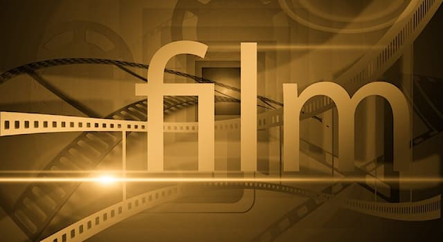 """Кино Вопрос: Какой знаменитый певец исполнил роль Дэнни Оушена в оригинальном фильме 1960 года """"Одиннадцать друзей Оушена""""?"""