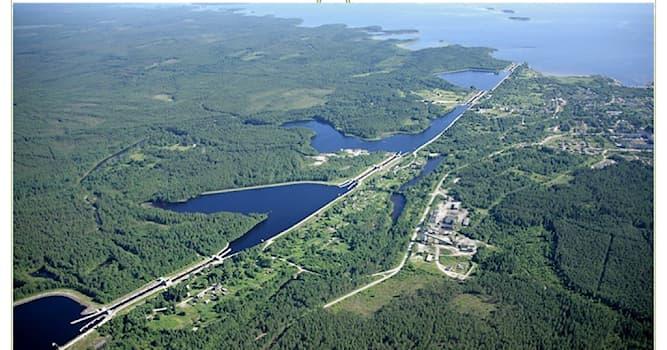 История Вопрос: Какому народному комиссару был воздвигнут памятник за строительство Беломоро-Балтийского канала?