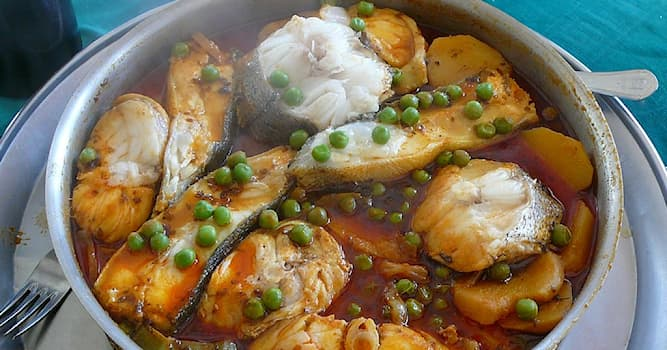Общество Вопрос: Калдейрада — это национальное блюдо какой кухни?