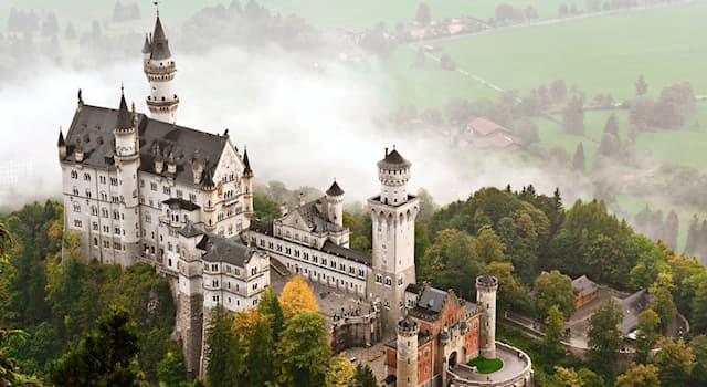 """Культура Вопрос: Кому из великих композиторов посвящён """"Лебединый замок"""" в Германии?"""