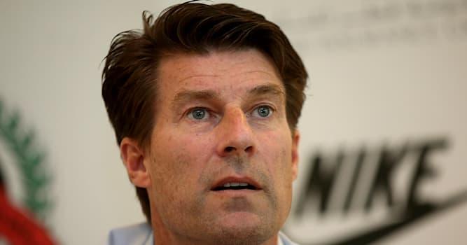 Спорт Вопрос: Кто из перечисленных футболистов является величайшим игроком в истории датского футбола?
