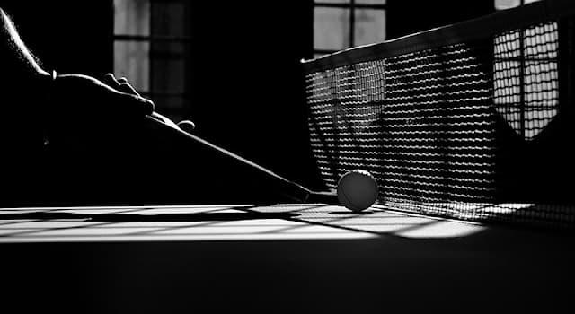 Спорт Вопрос: Кто из перечисленных спортсменов является одним из величайших игроков за всю историю настольного тенниса?