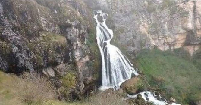 """Природа Вопрос: В какой стране находится необычный водопад """"Женщина в белом"""" (""""Невеста"""")?"""
