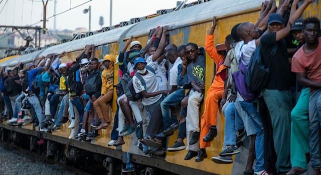 География Вопрос: В каком африканском городе есть метро?
