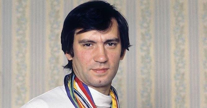 Спорт Вопрос: В каком виде спорта советский спортсмен Виктор Кровопусков является четырёхкратным Олимпийским чемпионом?