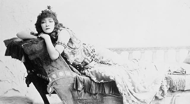 Society Trivia Question: What disability did French stage actress Sarah Bernhardt suffer from?