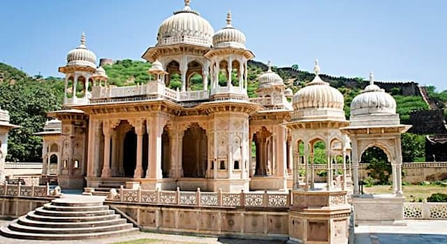 Culture Trivia Question: What is this magnificent architectural complex near Jaipur, India called?