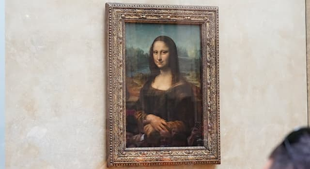 """Culture Trivia Question: What size is the """"Mona Lisa"""" painting?"""