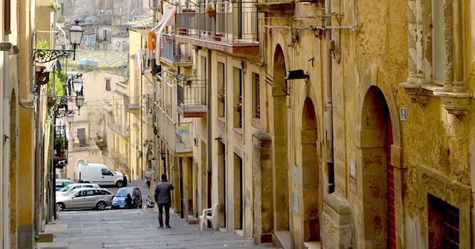 History Trivia Question: Where in Italy is the historical city of Caltagirone?