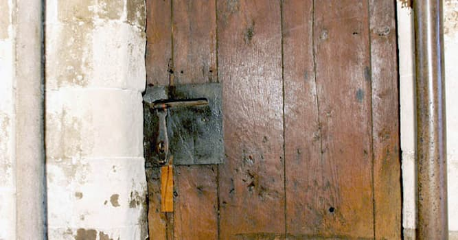 Culture Trivia Question: Where is the oldest door in Britain?