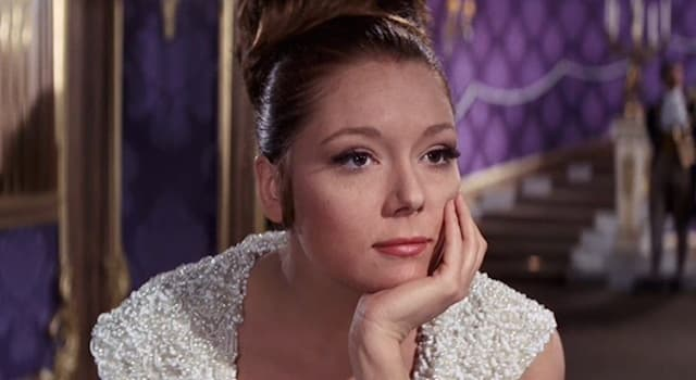 Movies & TV Trivia Question: Which actor played James Bond when Diana Rigg played the part of Contessa Teresa di Vicenzo?