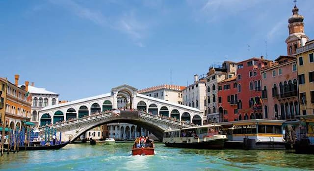 Geography Trivia Question: Which is the oldest bridge ('ponte') over the Grand Canal in Venice?