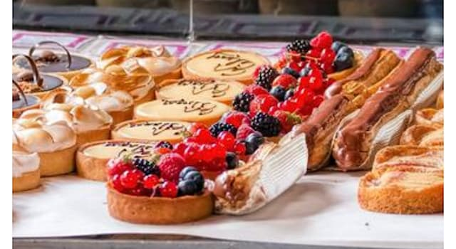 """Culture Trivia Question: Which pastry's name literally means """"lightning""""?"""