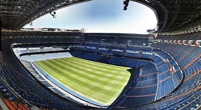 """Спорт Вопрос: Домашней ареной какого футбольного клуба является стадион """"Сантьяго Бернабеу""""?"""
