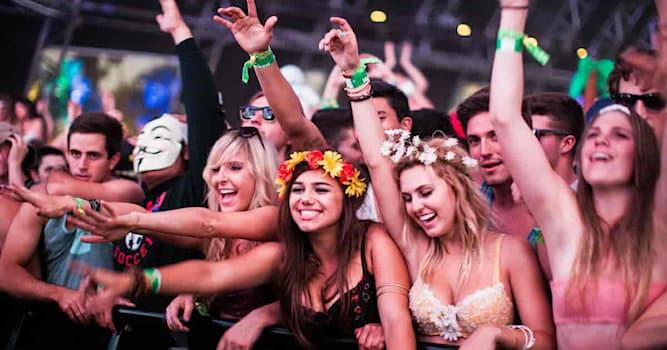 Культура Вопрос: Где проводится Коачелла – один из крупнейших, известнейших и самых прибыльных музыкальных фестивалей в мире?