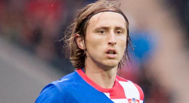 Спорт Вопрос: Капитаном национальной сборной какой страны является футболист Лука Модрич?