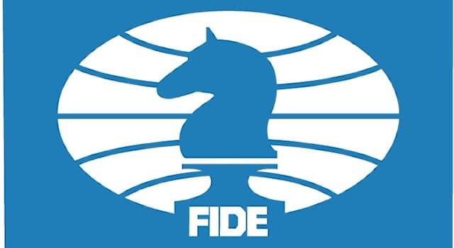 Спорт Вопрос: Кто был третьим президентом Международной шахматной федерации (ФИДЕ)?