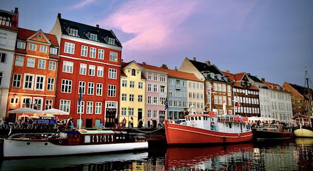 География Вопрос: Нюхавн — это центральный порт какой европейской столицы?
