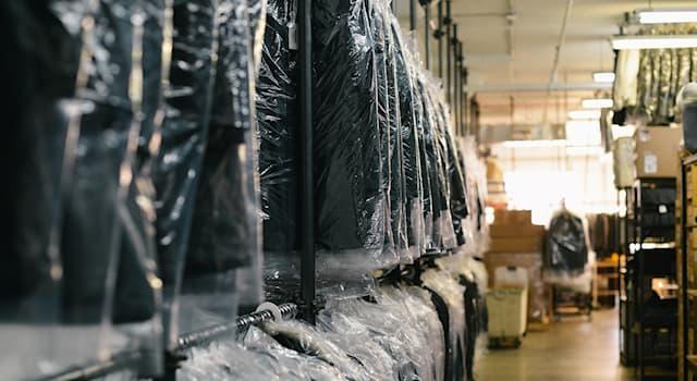 История Вопрос: С какого века известен современный процесс химической чистки одежды?