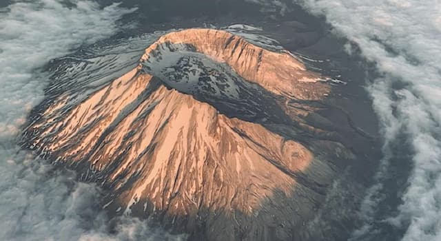 """Geography Trivia Question: Which plate boundary formed """"Mount St. Helens"""" volcano in the Pacific Northwest region of the United States?"""