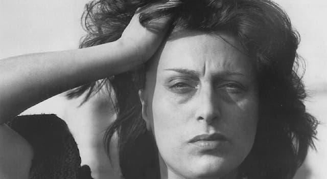 Кино Вопрос: За лучшую женскую роль в каком фильме великая итальянская актриса Анна Маньяни получила премию «Оскар»?